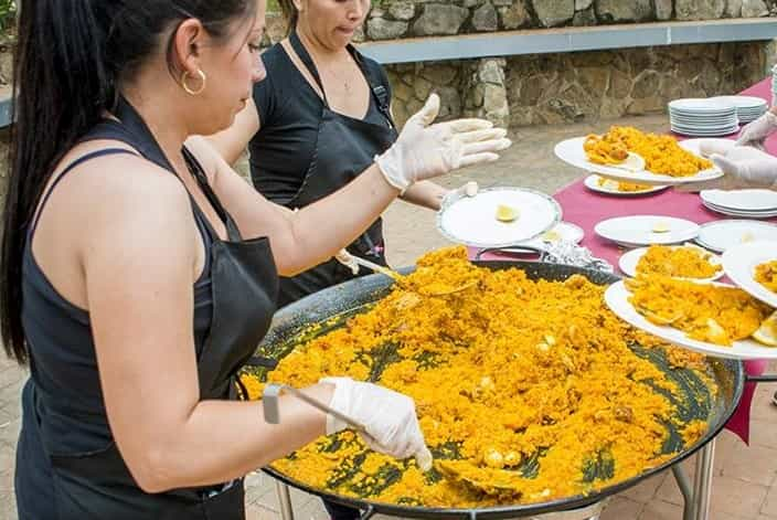 Capea + Humor Amarillo + Comida en Navalcarnero imagen 6