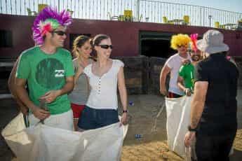 Capea + Humor Amarillo + Cena en Navalcarnero imagen 5