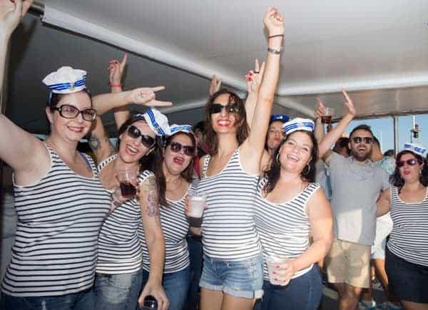 Fiesta en barco Mediodía imagen 2