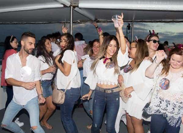Fiesta en Barco Noche. Fiesta Dorada imagen 5