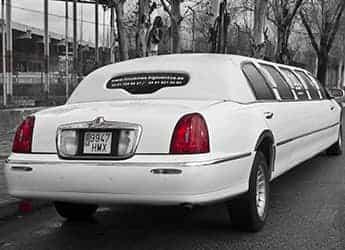 Limusina Lincoln Town Car Blanca imagen 3
