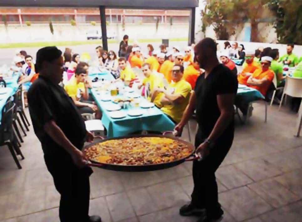 Pack Fiesta Deluxe: Paella + DJ + Charanga + Fiesta en Barco + Cena Tematica  imagen 2