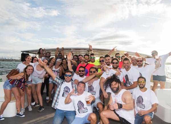 Pack Fiesta Deluxe: Paella + DJ + Charanga + Fiesta en Barco + Cena Tematica  imagen 3