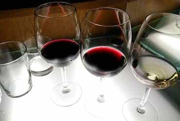 Visita a bodegas y cata de vinos imagen 3