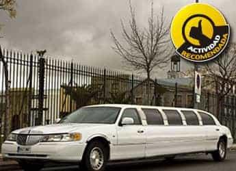 Limusina Lincoln Town Car Blanca imagen 1