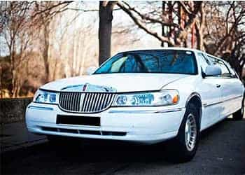 LIMUSINA FORD LINCOLN TOWN CAR BLANCA imagen 1