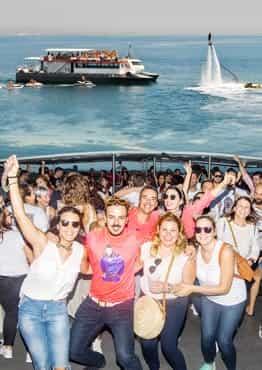 Fiesta en barco Tarde