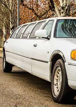 Limusina Lincoln Town Car Blanca