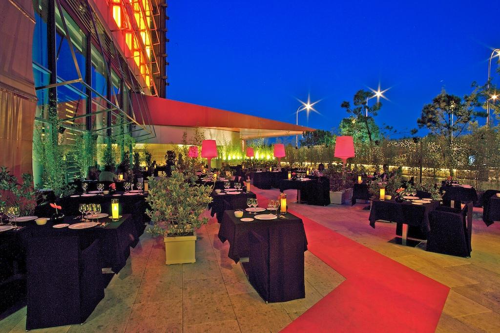 Las 16 mejores terrazas en altura en madrid despedidas big for Hotel avenida de america madrid