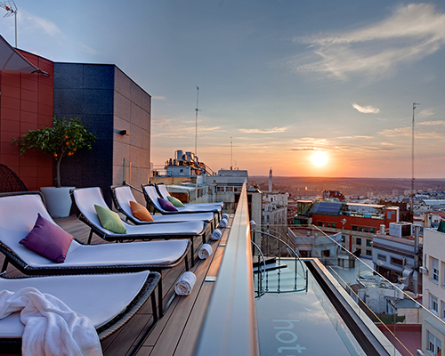 SKY LOUNGE & BAR HOTEL INDIGO