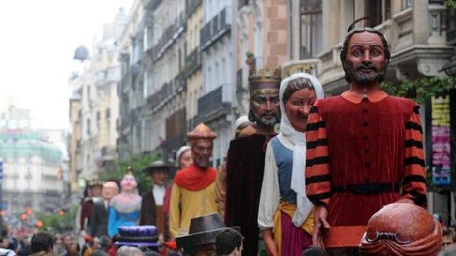 Gigantes Y Cabezudos En Madrid Fiestas San Iisdro Ideas Originales