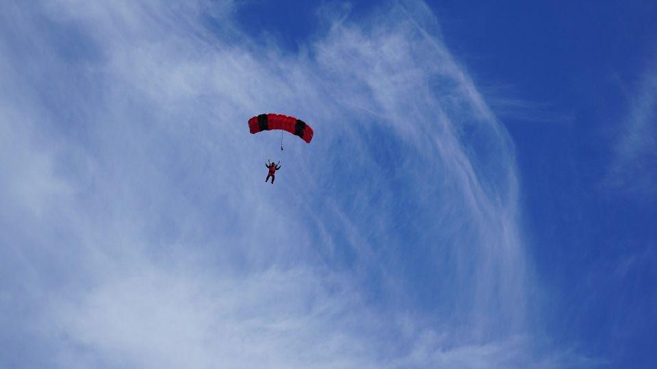 paracaídas en Sevilla